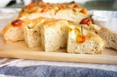 Pokrojony chlebowy Ciabatta i pomidory rozmarynowi i czereśniowi Obraz Royalty Free