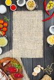 Pokrojony leczący bresaola z pikantność i sprig rozmaryny zdjęcie royalty free
