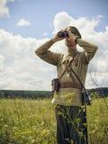 POKROVSKOE,斯维尔德洛夫斯克州,俄罗斯- 2016年7月17日:在1919年俄国内战的历史再制定在乌拉尔 战士O 免版税库存图片