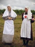 POKROVSKOE, SVERDLOVSK OBLAST, RUSLAND - JULI 17, 2016: Het historische weer invoeren van Russische burgeroorlog in het Oeralgebe royalty-vrije stock afbeeldingen
