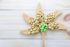Pokryci arachidy gałęzatka i wasabi smak Fotografia Stock