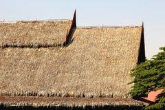 Pokrywająca strzechą dachowa tajlandzka stylowa Vetiver trawa fotografia stock