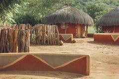 Pokrywający strzechą dachowy afrykanina dom Zdjęcia Royalty Free
