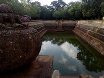 Pokuna de Kuttam en el anuradapura Sri Lanka imagenes de archivo