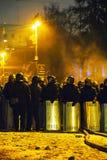 A polícia de motim na rua de Hrushevskogo em Kiev, Ucrânia Imagem de Stock Royalty Free