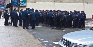 Polícia de New York na véspera de Ano Novo fotografia de stock royalty free
