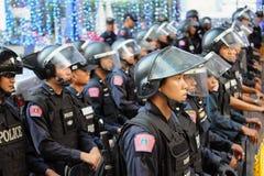Polícia do controle de motim em um protesto em Banguecoque Imagens de Stock