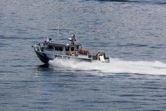 Polícia em Elliott Bay fotografia de stock royalty free