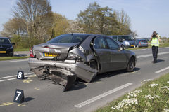 A polícia faz o ` s da foto após um acidente de tráfico Fotos de Stock