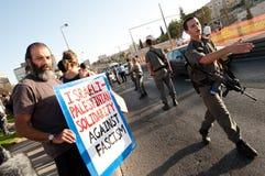 A polícia israelita no estabelecimento protesta Fotos de Stock