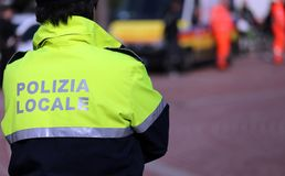 Polícia italiano da verificação da polícia local a cidade Imagem de Stock