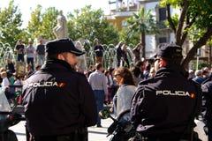 Polícia na frente da multidão em uma demonstração 72 Fotografia de Stock Royalty Free