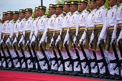 Polícia real de Malásia que marcha durante o Dia da Independência de Malásia Fotos de Stock Royalty Free