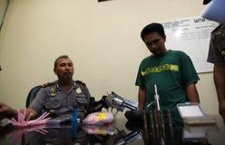 A polícia trava traficantes de drogas Foto de Stock