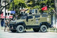 Polícia turca nas ruas de Istambul durante a situação militar no país imagem de stock