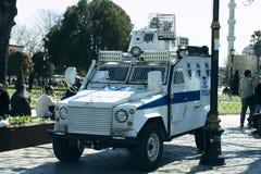 Polícia turca nas ruas de Istambul durante a situação militar no país fotos de stock royalty free