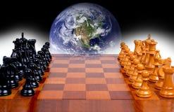 Política de mundo como um jogo de xadrez imagem de stock