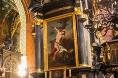 POLÔNIA, KRAKOW - 27 DE MAIO DE 2016: Elementos do interior no St Mary medieval ' igreja de s em Krakow Fotografia de Stock Royalty Free