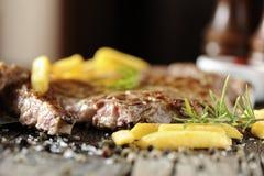 polędwica piec na grillu stek fotografia royalty free