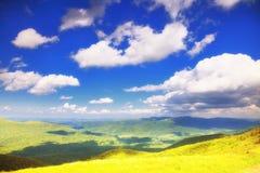 Polônia de Bieszczady da paisagem dos montes das montanhas fotos de stock royalty free