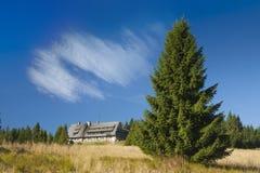 Polônia, montanhas de Gorce, cabana da montanha em Turbacz Imagens de Stock
