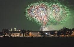 Polônia, skyline de Krakow, castelo de Wawel, fogos-de-artifício Fotos de Stock
