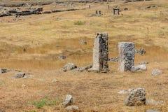 Pola archeologiczni rujnujący kamienie fotografia stock