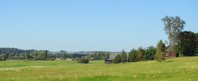 Pola, farmy i pociągu most, Lithuania Obraz Royalty Free