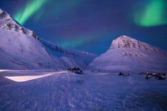 Polaire noordpool Noordelijke de hemelster van het lichtenaurora borealis in de reis Svalbard van Noorwegen in Longyearbyen-stad  stock foto's