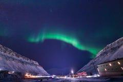 Polaire noordpool Noordelijke de hemelster van het lichtenaurora borealis in de reis Svalbard van Noorwegen in Longyearbyen-stad  stock afbeelding