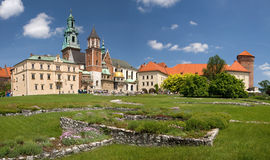 poland för slottkrakow panorama wawel arkivfoton