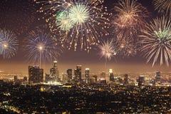 Polaroid di paesaggio urbano del centro di Los Angeles con i fuochi d'artificio che celebrano notte di San Silvestro Fotografia Stock