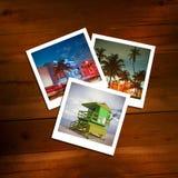 Polaroides del vintage de las memorias del viaje en un fondo de madera Foto de archivo libre de regalías