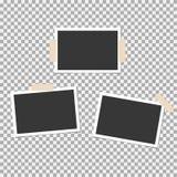 PolaroidPhotokader met kleverige band op grijze achtergrond Malplaatje, spatie voor uw in foto royalty-vrije illustratie