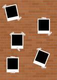 Polaroids em Brickwall Fotos de Stock