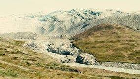 Polart landskap Skotska högländerna som täckas i gräs glaci?rer arkivfilmer