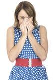 Polca azul vestindo surpreendida mulher Dot Dress Fotografia de Stock