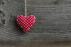 Polca Dot Fabric Heart de la decoración de la Feliz Navidad Foto de archivo libre de regalías