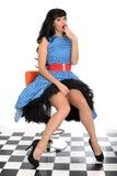 Polca joven fresca atractiva atractiva Dot Dress de Posing In Retro del modelo del Pin-Para arriba del vintage Fotos de archivo