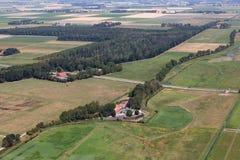 Polder néerlandais de vue aérienne avec des contours d'ancienne île Schokland image stock