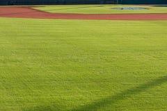 Pole bramkowe brud I pole zewnętrzn trawa baseballa pole Zdjęcie Stock