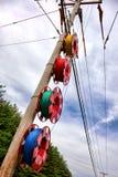 Pole-Draht-Linie Verbesserungs-Installation der öffentlichen Einrichtungen stockfotografie