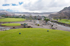 Pole golfowe farwater przy tropikalnym kurortem Obraz Stock