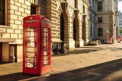pole London czerwony telefon Zdjęcia Royalty Free