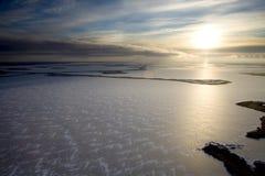 Pole naftowe na Samolor jeziorze, Rosja, odgórny widok zdjęcia stock