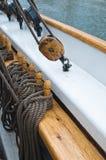 Polea asociada a la cubierta de la nave Fotografía de archivo libre de regalías