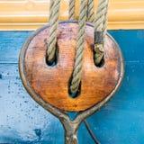 Polea de Wooeden Imagen de archivo libre de regalías