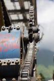 Poleas mecánicas de la telesilla en estación de esquí Foto de archivo