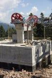Poleas mecánicas de la telesilla en estación de esquí Foto de archivo libre de regalías
