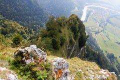 Polen - berglandskap Pieniny Arkivfoto